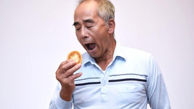 低血糖状態でクッキーを食べようとした糖尿病のご利用者への正しい対応は?.jpg
