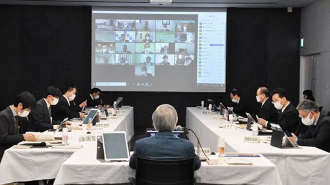 改定を議論した厚労省の審議会:今年1月撮影.jpg