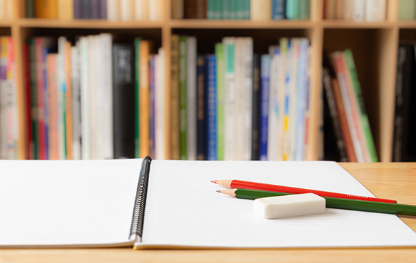 えんぴつ・ペンやPCなど資格っぽい図